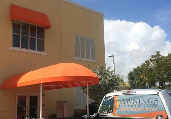 Awnings and canopies plantation